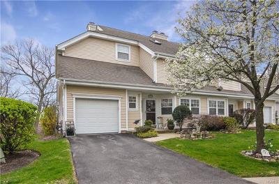 White Plains Condo/Townhouse For Sale: 97 Winding Ridge Road