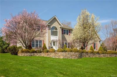 Mahopac Single Family Home For Sale: 48 Kayla Lane