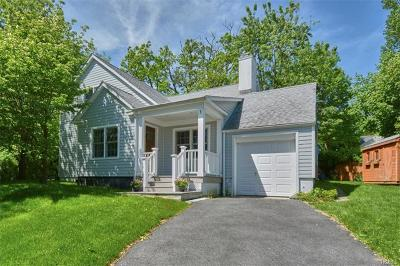 Port Chester Single Family Home For Sale: 1 Miles Standish Circle
