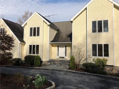 Mount Kisco Single Family Home For Sale: 24 Bretton Ridge