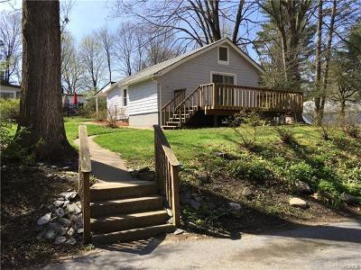 Cortlandt Manor Single Family Home For Sale: 44 Durrin Avenue