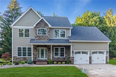 Nanuet Single Family Home For Sale: 5 Danica Court