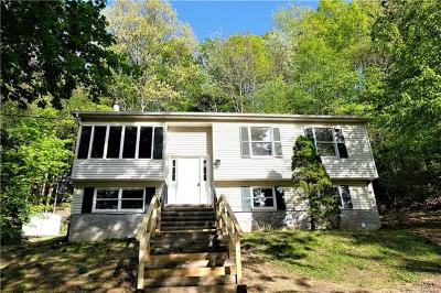 Cortlandt Manor Single Family Home For Sale: 8 Evergreen Road
