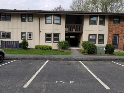 Yorktown Heights Condo/Townhouse For Sale: 15 Essex Place #F