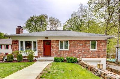 Cortlandt Manor Single Family Home For Sale: 142 Highland Drive