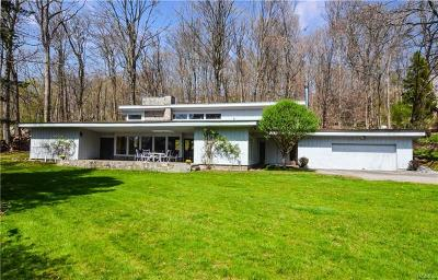 Briarcliff Manor Single Family Home For Sale: 8 Ledgewood Lane