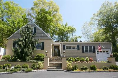 New Rochelle Single Family Home For Sale: 457 Pinebrook Boulevard