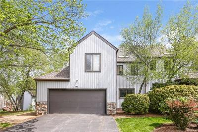White Plains Single Family Home For Sale: 175 Woodbrook Road