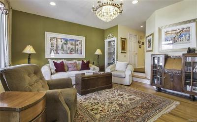 New Rochelle Single Family Home For Sale: 77 Hudson Park Road