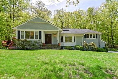 Armonk Single Family Home For Sale: 14 Thornewood Road
