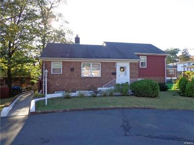 Yonkers Single Family Home For Sale: 22 Larkspur Lane