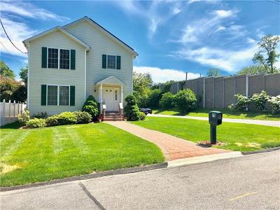 White Plains Single Family Home For Sale: 71 Orchard Place