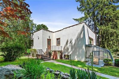 Westchester County Single Family Home For Sale: 57 Maple Row
