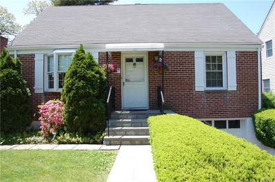White Plains Single Family Home For Sale: 77 Seneca Avenue