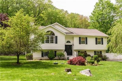 Monroe Single Family Home For Sale: 104 Trout Brook Road