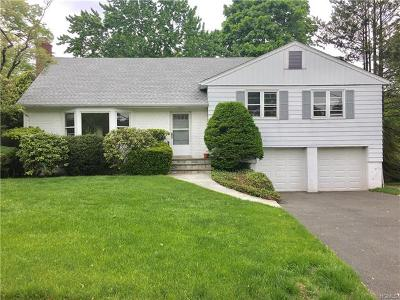 New Rochelle Single Family Home For Sale: 95 Hilary Circle