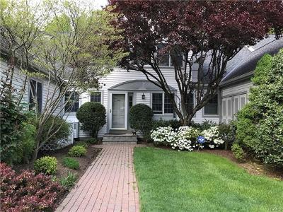 White Plains Condo/Townhouse For Sale: 44 Brook Hills Circle