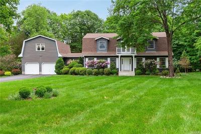 Newburgh Single Family Home For Sale: 23 Jacks Pond Road