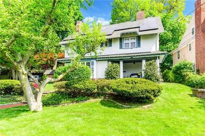 New Rochelle Single Family Home For Sale: 72 Laurel Place