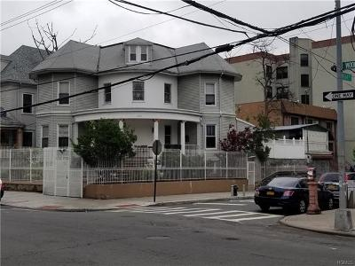 Bronx NY Single Family Home For Sale: $1,070,000