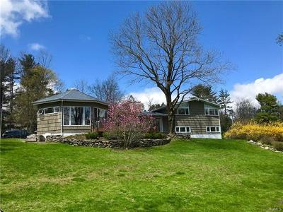 Briarcliff Manor Single Family Home For Sale: 37 East Cedar Drive