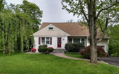 New Rochelle Single Family Home For Sale: 54 James Drive