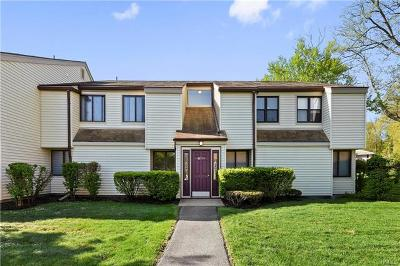 Yorktown Heights Condo/Townhouse For Sale: 47 Jefferson Oval #G