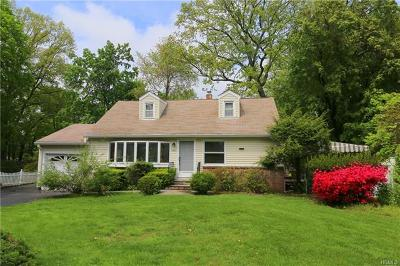Westchester County Single Family Home For Sale: 2192 Allan Avenue