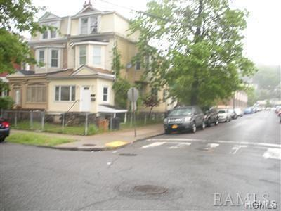 Yonkers Multi Family 2-4 For Sale: 570 Van Cortlandt Park Avenue