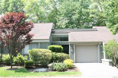 Somers Condo/Townhouse For Sale: 565 Heritage Hills #B