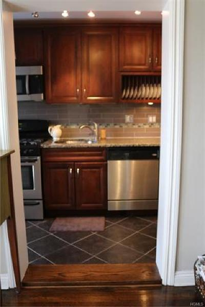 Eastchester Co-Operative For Sale: 12 Leewood Circle #1R