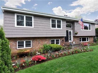 New Rochelle Single Family Home For Sale: 1199 Weaver Street