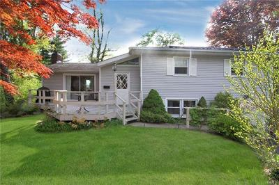 Westchester County Single Family Home For Sale: 2 Cook Lane