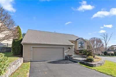 Westchester County Condo/Townhouse For Sale: 841 Heritage Hills