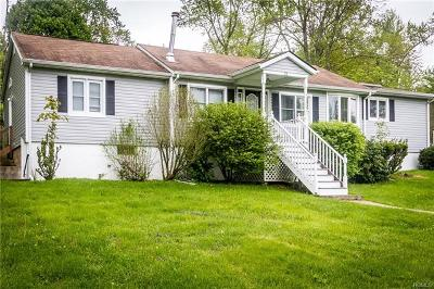 Monroe Single Family Home For Sale: 51 Center Hill Road