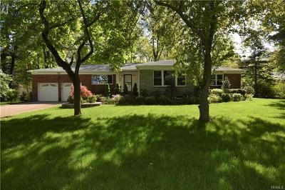 Hartsdale Single Family Home For Sale: 25 Topland Road