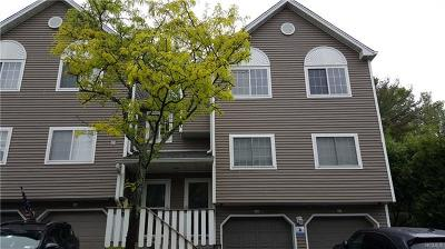 Rockland County Condo/Townhouse For Sale: 34 Eagle Ridge Way