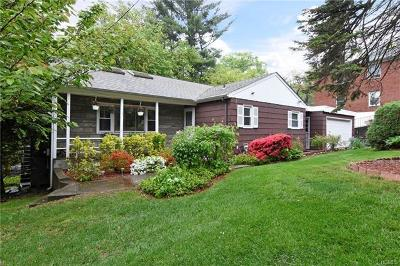 White Plains Single Family Home For Sale: 1090 Dobbs Ferry Road