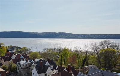 Dobbs Ferry Condo/Townhouse For Sale: 50 Chestnut Street #6