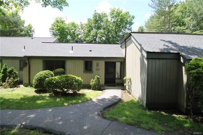 Somers Condo/Townhouse For Sale: 152 Heritage Hills #B