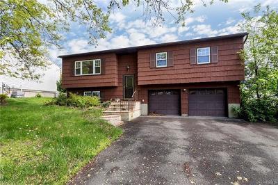 Monroe Single Family Home For Sale: 18 Half Hollow Turn