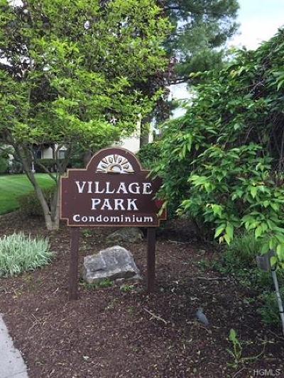 Fishkill Condo/Townhouse For Sale: 25 Village Park Drive #1B