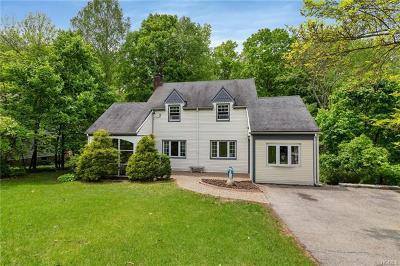Cortlandt Manor Single Family Home For Sale: 3 Fox Hill Road