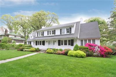 New Rochelle Single Family Home For Sale: 391 Beechmont Drive