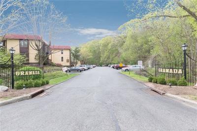 White Plains Condo/Townhouse For Sale: 15 Granada Crescent #6