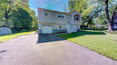 Single Family Home For Sale: 5 Meadow Court