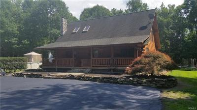 Middletown Single Family Home For Sale: 44 Fair Oaks Road