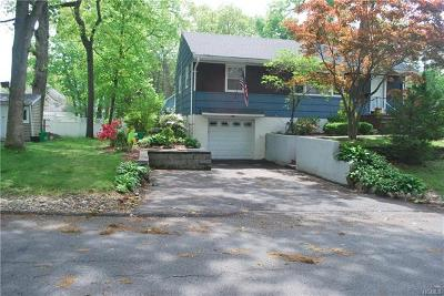 Rockland County Single Family Home For Sale: 11 Forest Drive