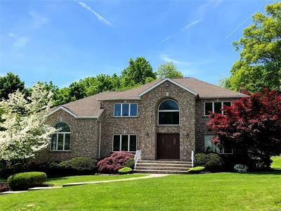 Nanuet Single Family Home Sold: 25 Mesa Place