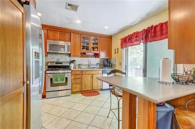 Monroe Single Family Home For Sale: 15 Lee Avenue